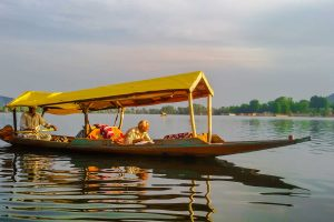 kashmir_tours_and_travels_packages